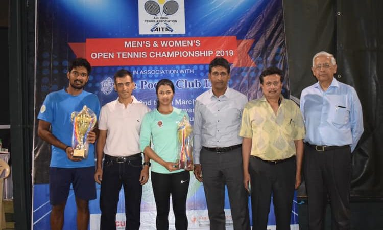 Double crown for Bendre at the Dhoot Transmission Poona Club Trophy Rs 3. Lakhs AITA Men's and Women's Open Tennis Championships